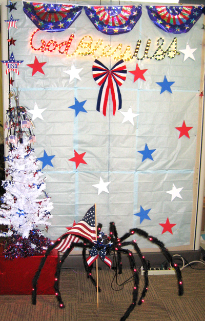 Memorial Day Holiday Wall Spider